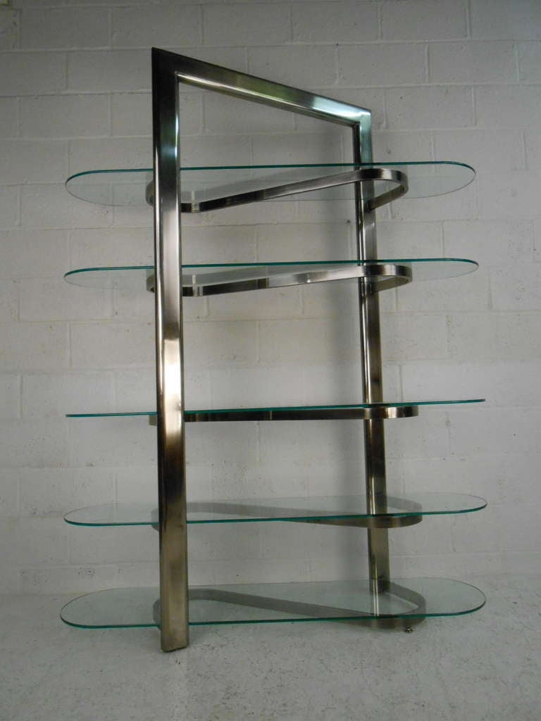 Modern stainless and glass etagere at 1stdibs - Deco moderne binnenmuur ...