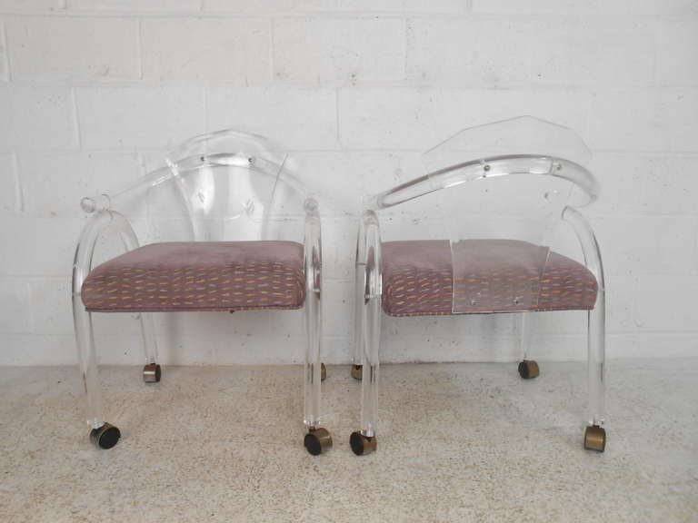 Vintage Lucite Rolling Chairs In Good Condition For Sale In Brooklyn, NY