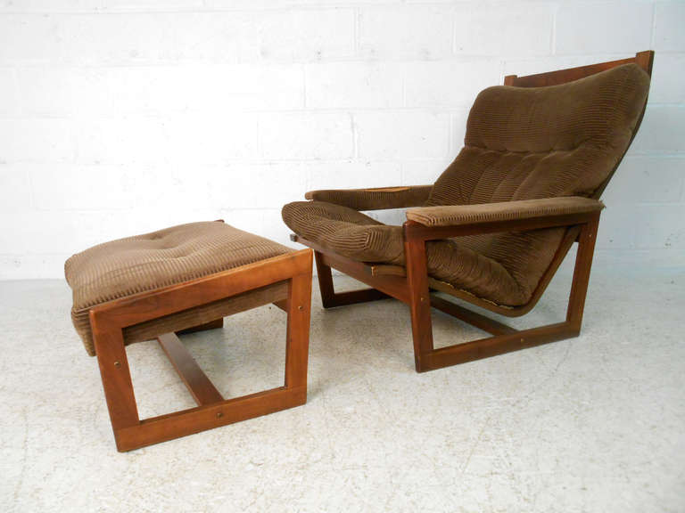 Mid Century Modern Midcentury Lounge Chair And Ottoman Set For