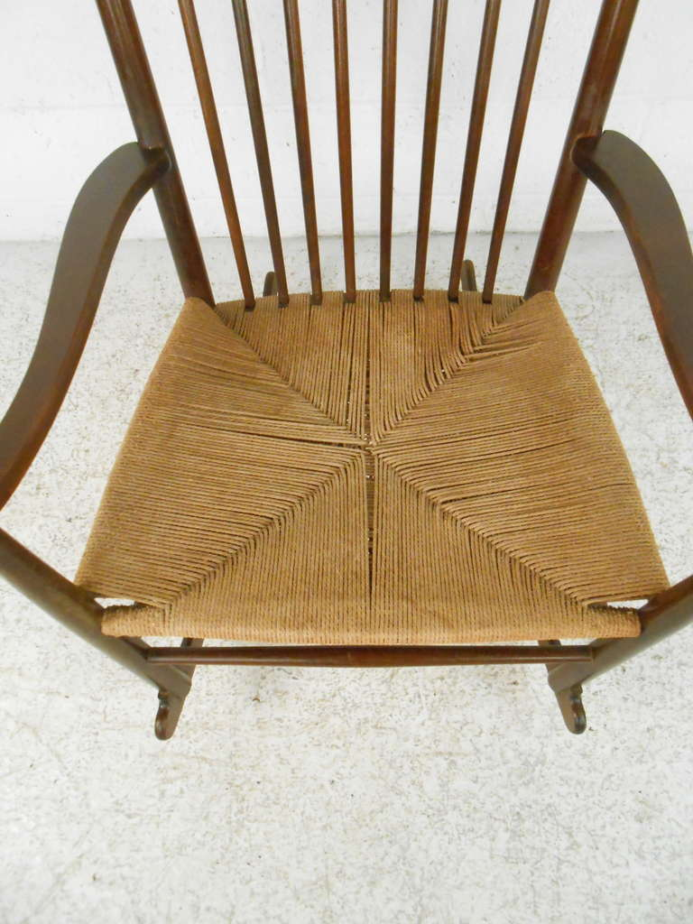 Hans Wegner J-16 Style Mid-Century Rocking Chair For Sale at 1stdibs