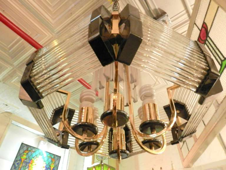 Sciolari Style Mid-Century Modern Glass Chandelier In Good Condition For Sale In Brooklyn, NY