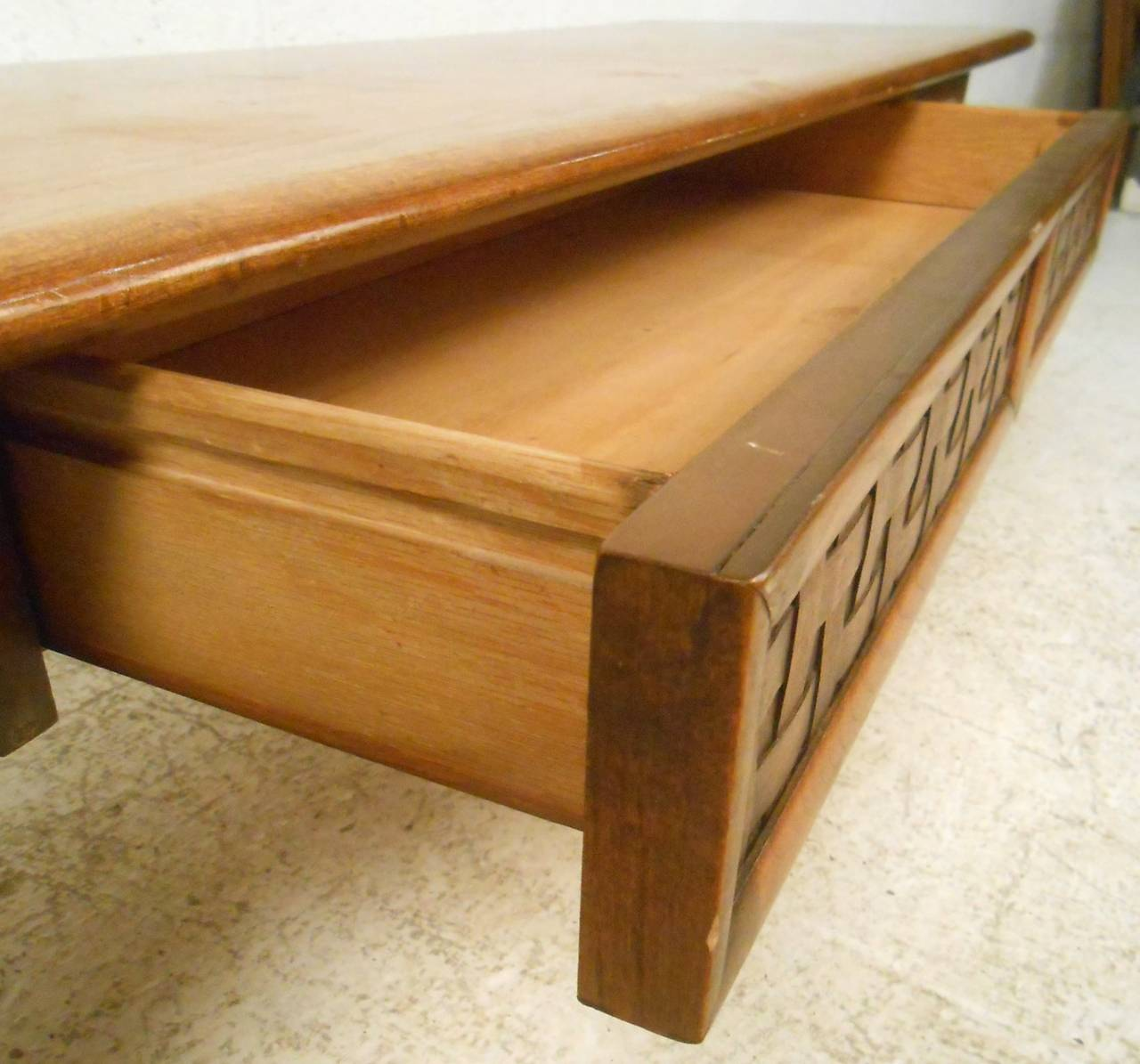 Mid-20th Century Vintage Walnut Coffee Table by Lane For Sale