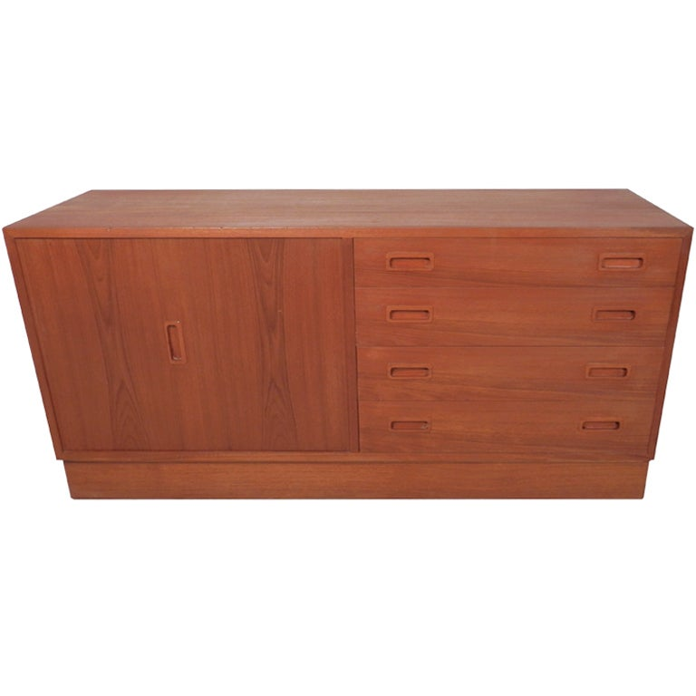 Mid Century Danish Modern Teak Dresser For Sale