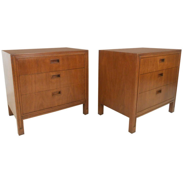 Pair Of Mid Century Modern American Nightstands By Mount