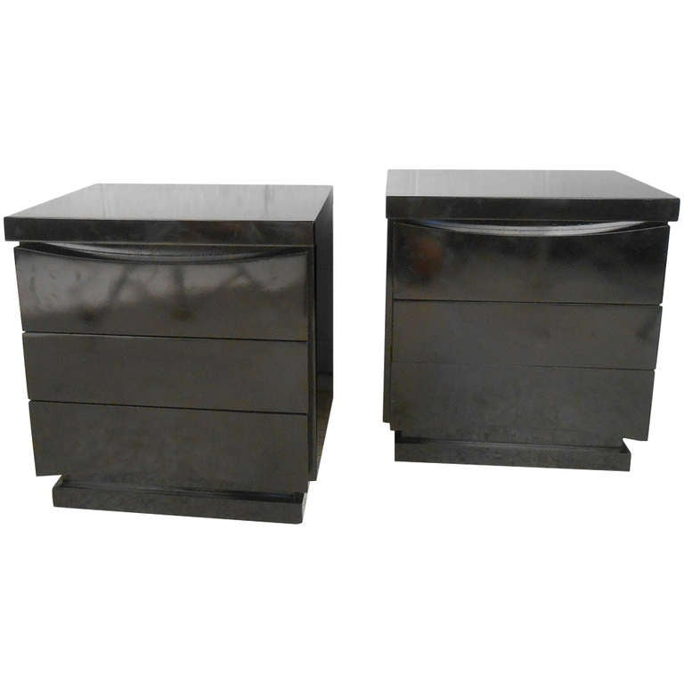American of Martinsville Nightstands in Black Lacquer