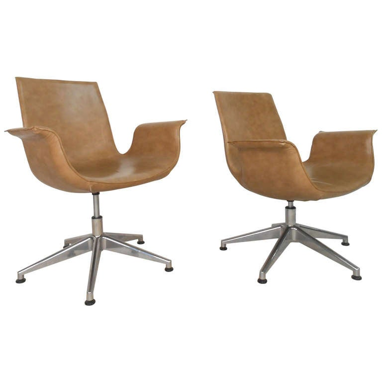 Pair of leather swivel office dining chairs at 1stdibs for Swivel dining room chairs