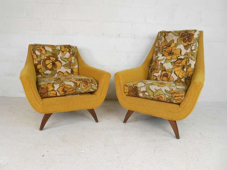 Pair Of Mid Century Modern Lounge Chairs By Bassett Furniture 2