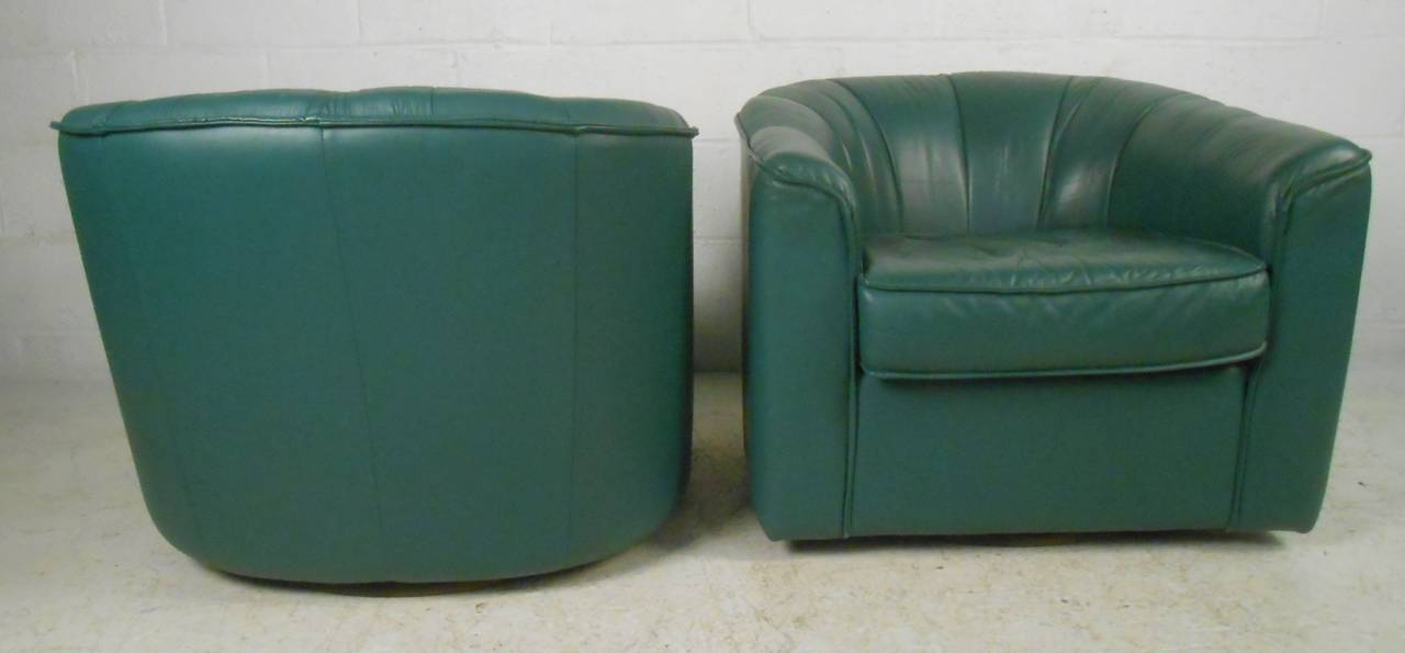 American Pair of Contemporary Modern Swivel Club Chairs For Sale