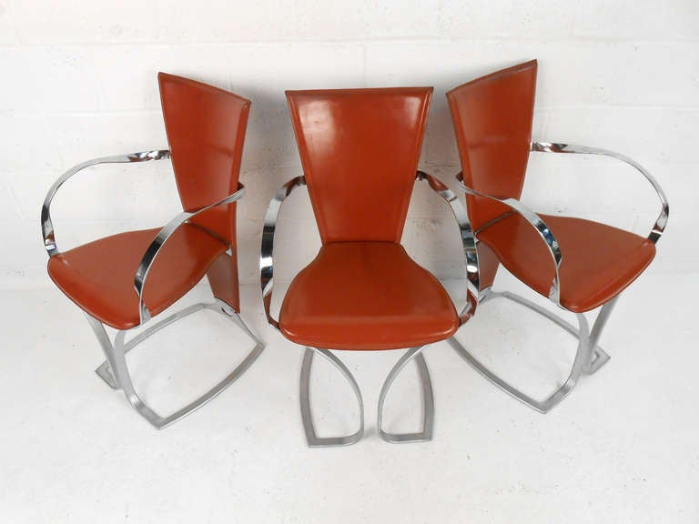 Mid-Century Modern Set of Sculptural Italian Modern Dining Chairs For Sale
