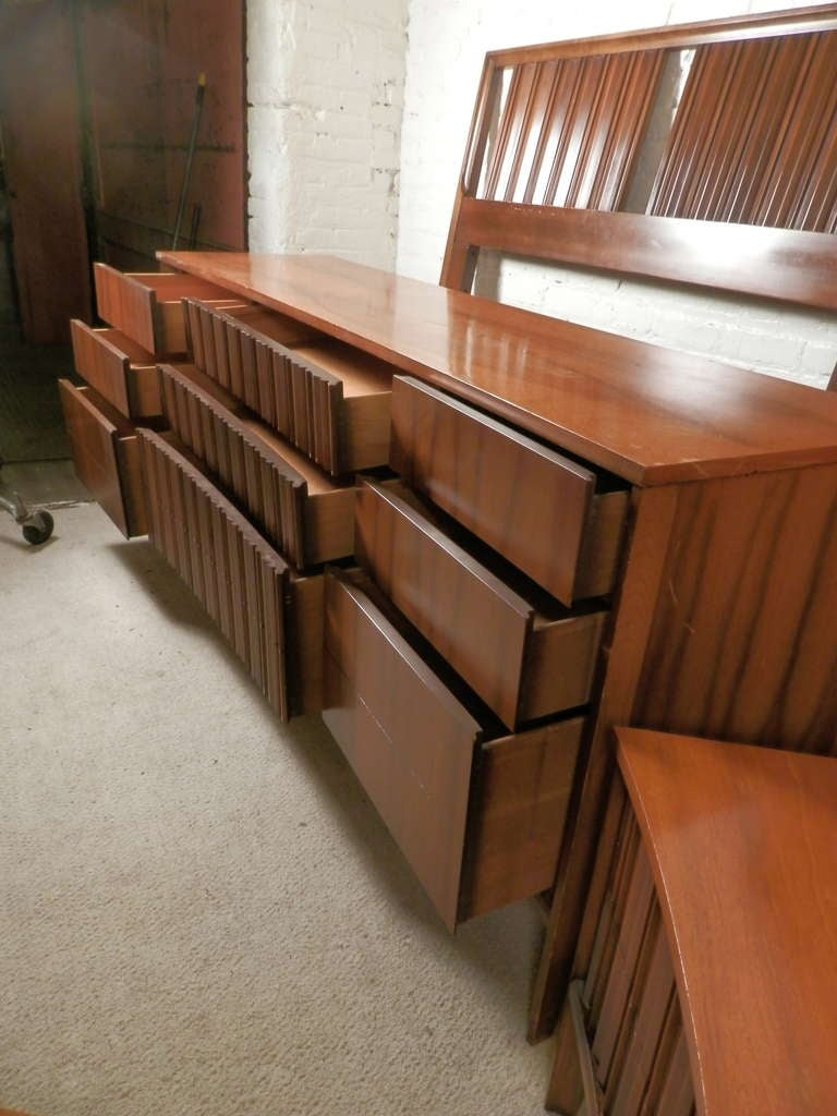 Mid-20th Century Mid-Century Modern American Bedroom Set by Unagusta For Sale