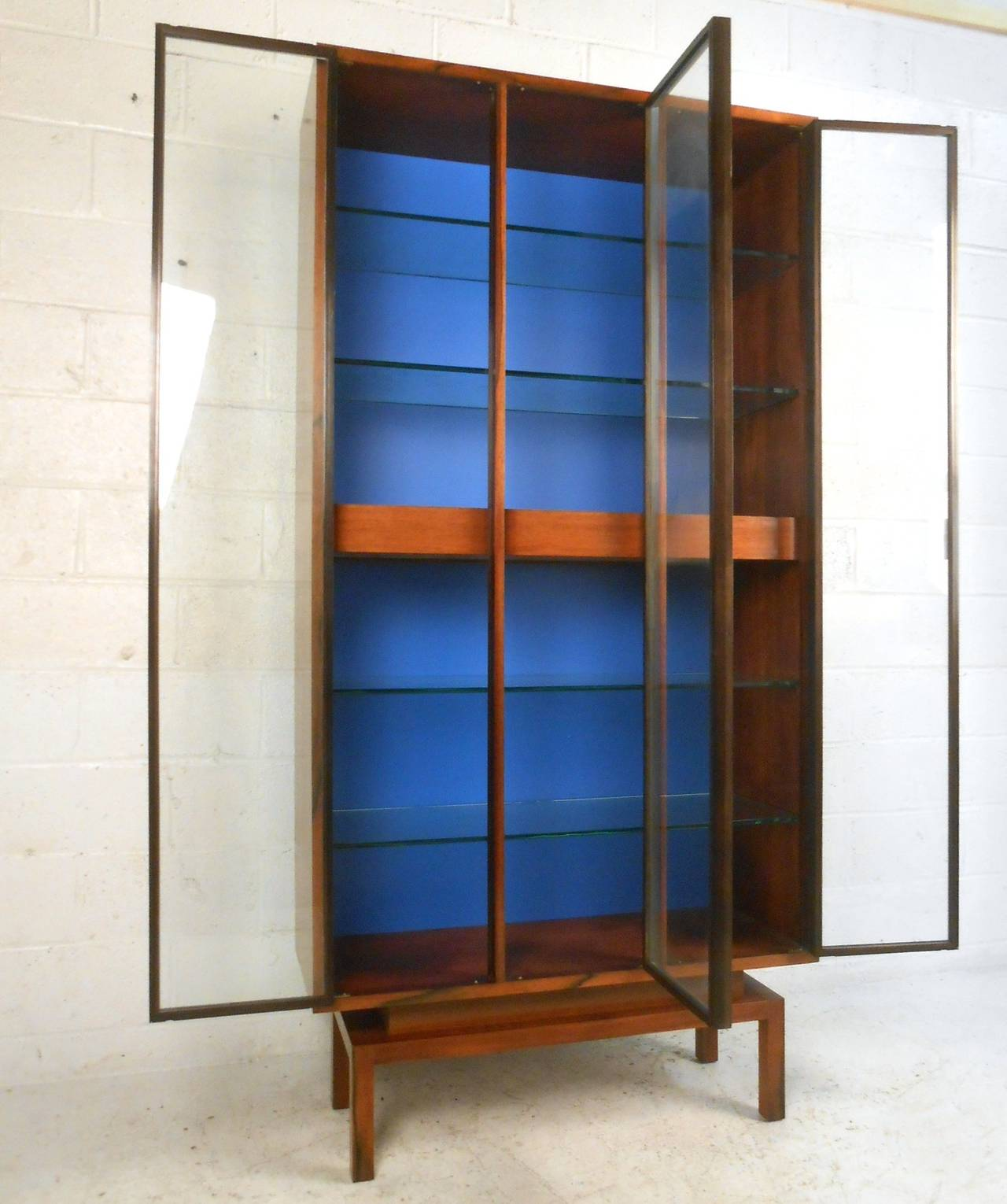 American Custom Mid-Century Modern Rosewood Display Cabinet by Samson Berman For Sale & Custom Mid-Century Modern Rosewood Display Cabinet by Samson Berman ...