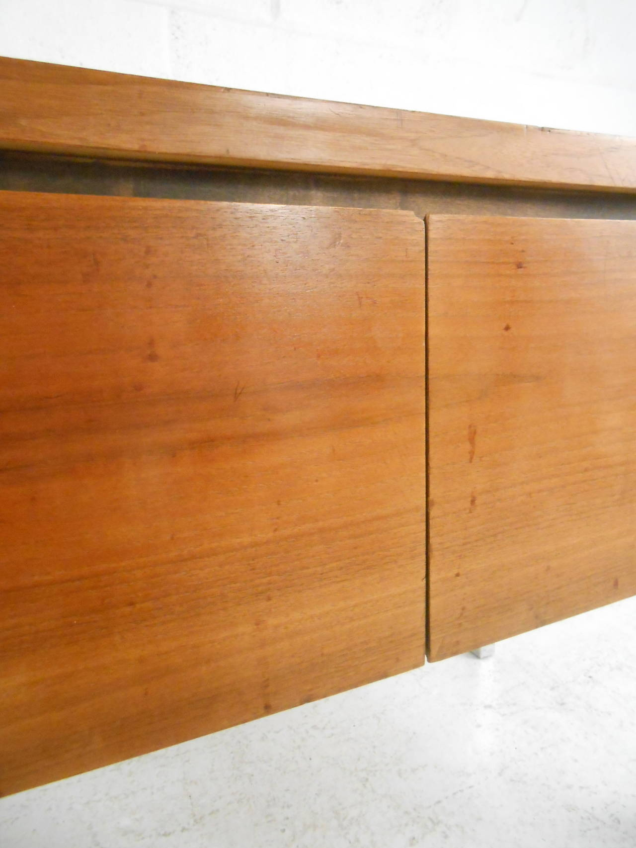 Mid-Century Modern Two-Door Cabinet with Chrome Frame For Sale 2