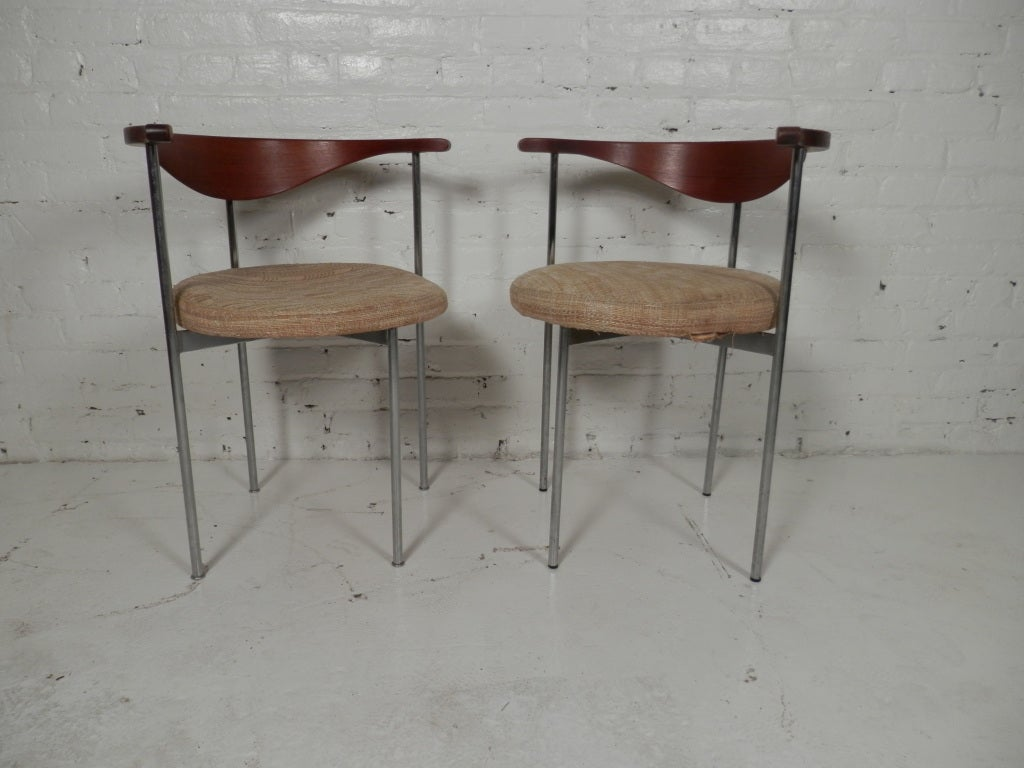Pair of Frederick Sieck for Fritz Hansen El-Bow Chairs 3
