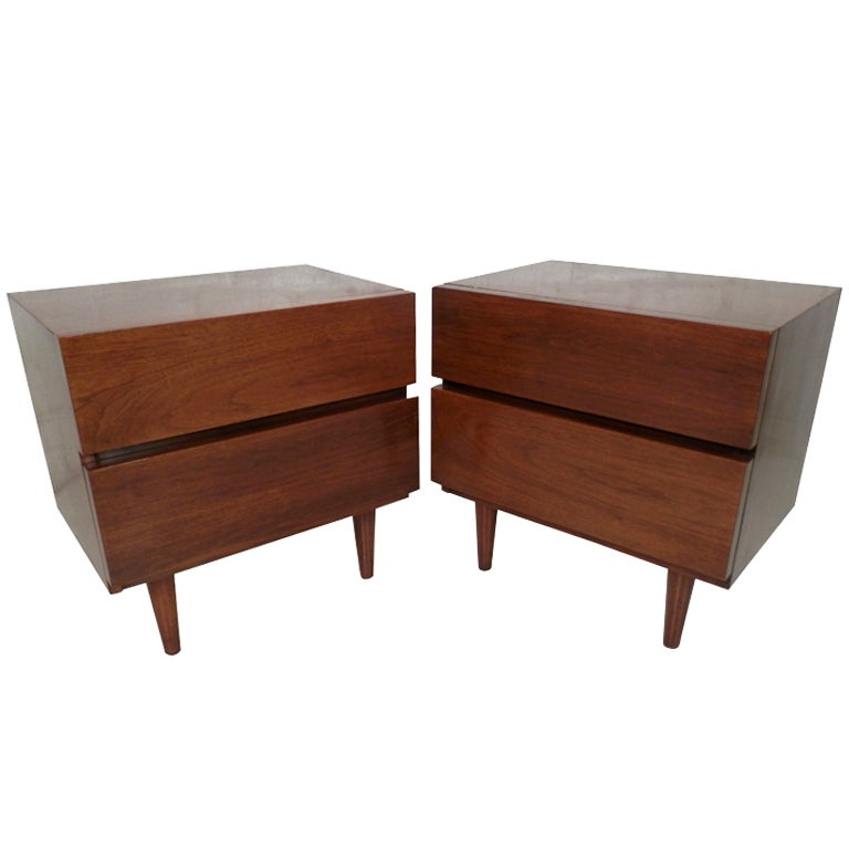 Pair of nightstands by american of martinsville at 1stdibs for American martinsville bedroom furniture
