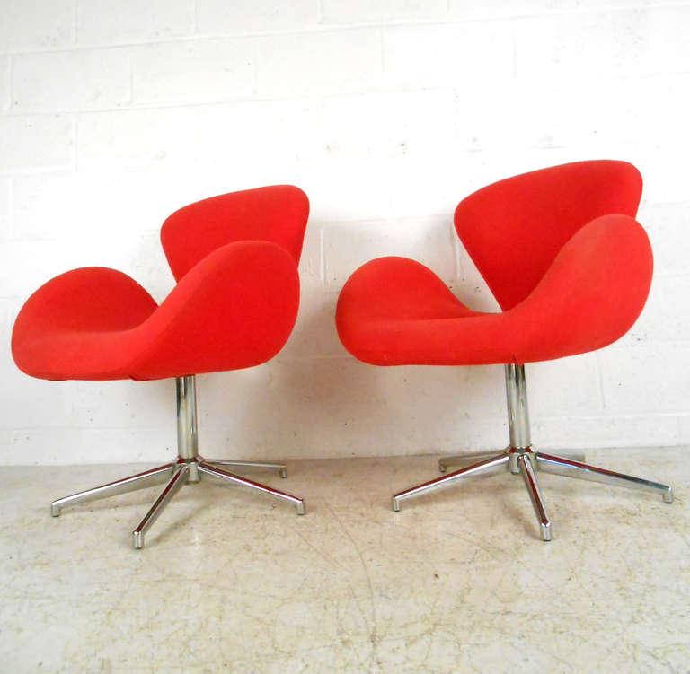 Pair of arne jacobsen mid century swan chairs for sale for Swan chairs for sale