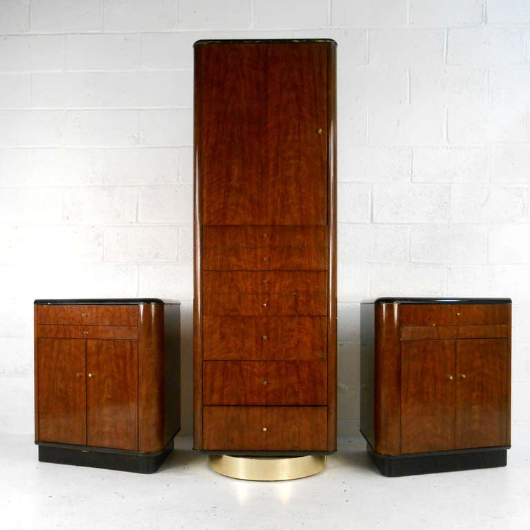 This Three Piece Drexel Wardrobe Set Features A Two Sided Spinning And Pair