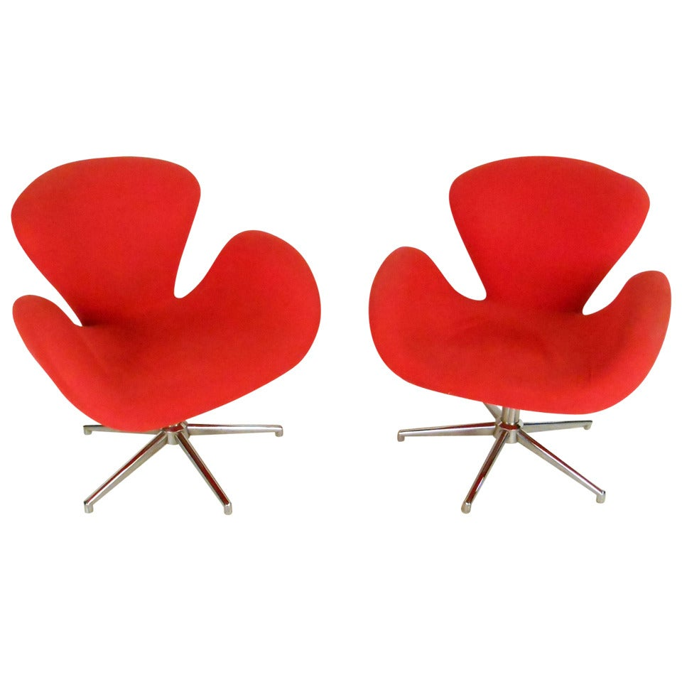 """Pair of Vintage Modern """"Swan"""" Style Chairs after Arne Jacobsen"""