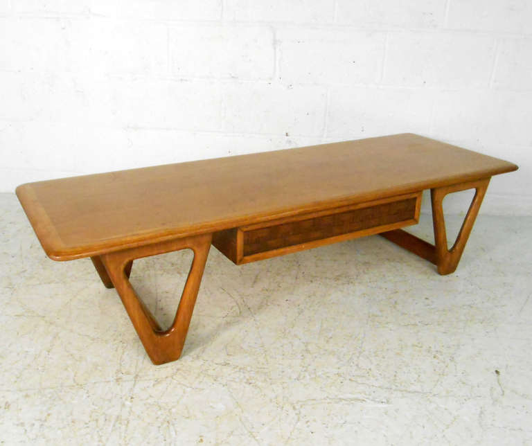 Mid-Century Modern Lane Perception Coffee Table For Sale