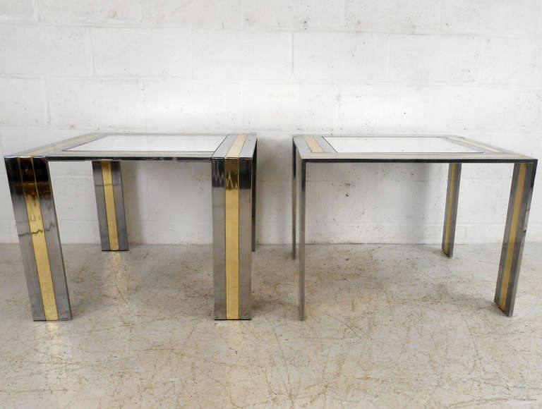 Mid-Century Modern Pair of Vintage End Tables in the Style of Paul Evans For Sale