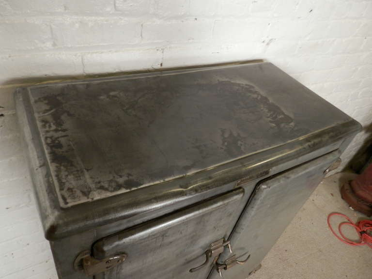 Rare Mid Century Ice Chest From R.H. Macy & Co. 5