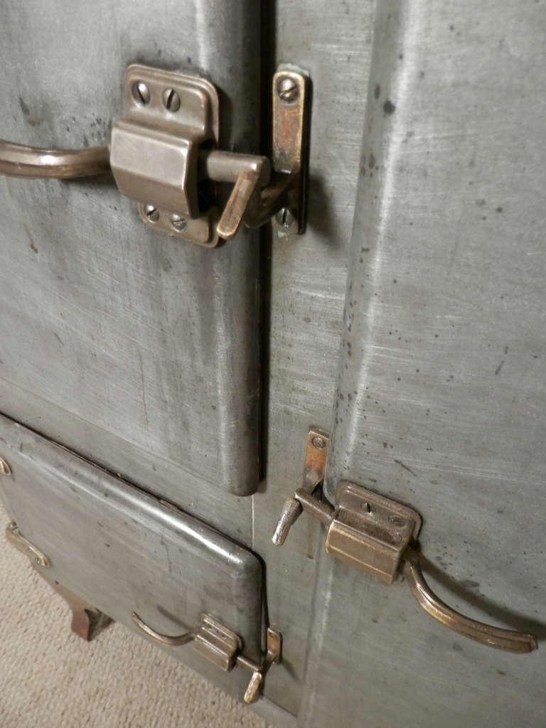 Rare Mid Century Ice Chest From R.H. Macy & Co. 6