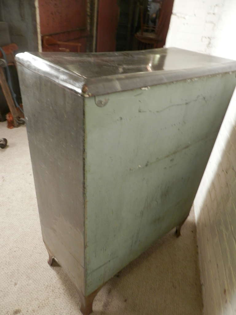 Rare Mid Century Ice Chest From R.H. Macy & Co. 9