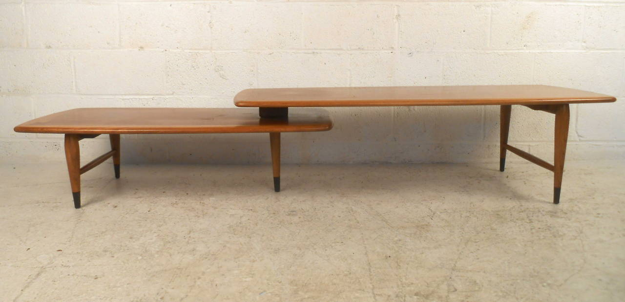 American Mid-Century Modern Switchblade Coffee Table by Lane For Sale