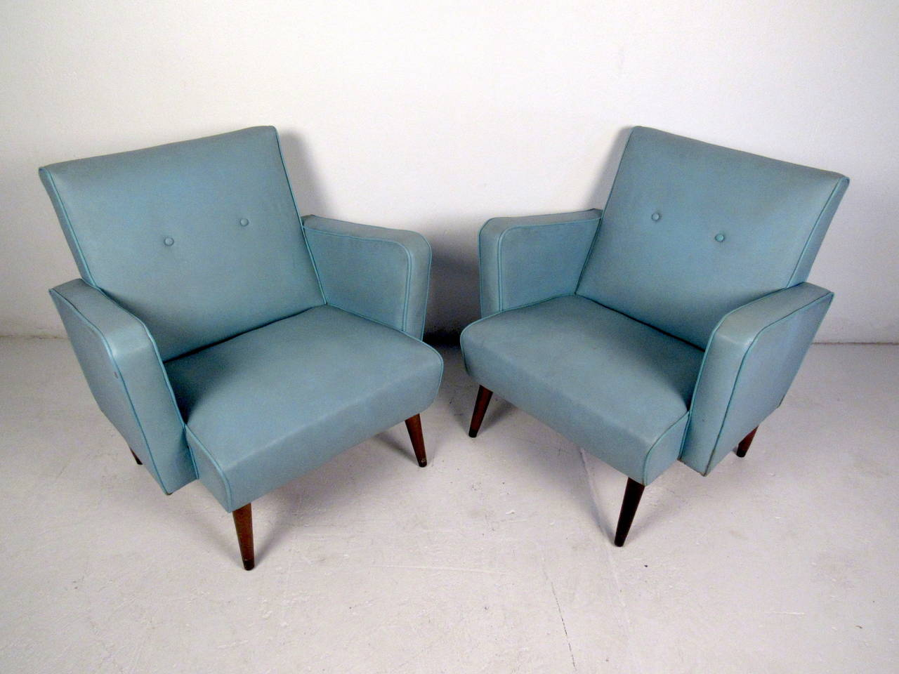American Pair Of Mid Century Modern Vinyl Lounge Chairs In The Style Of  Paul McCobb