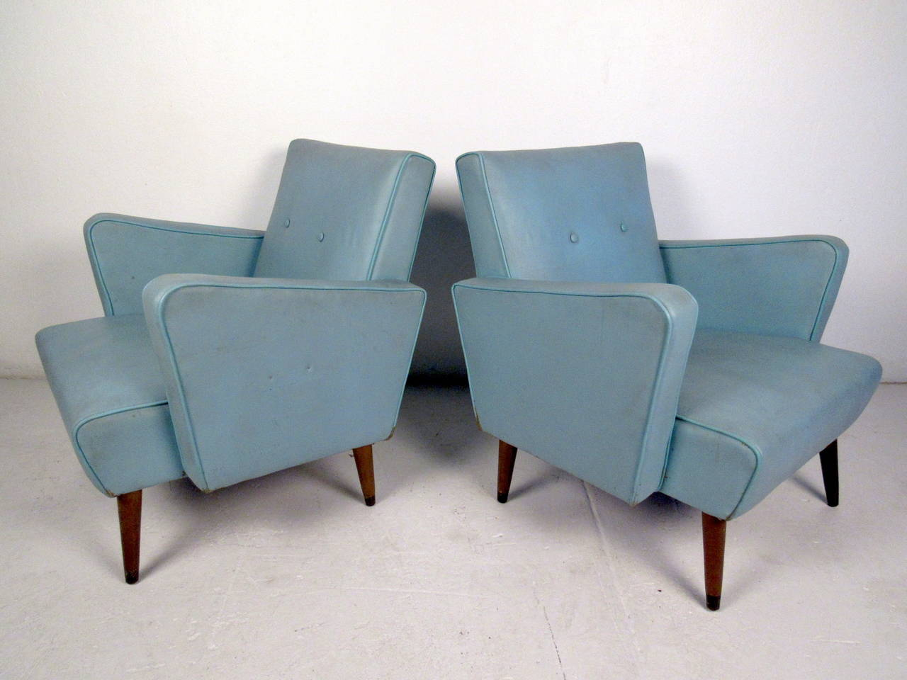 This Pair Of Mid Century Lounge Chairs Are In The Style Of Paul McCobb And  Feature