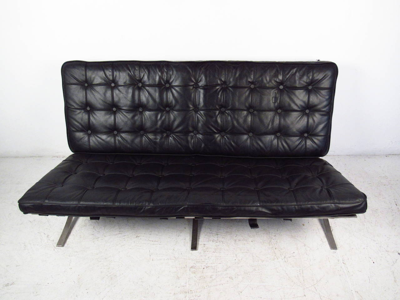 leather love barcelona furniture couch products must in black daybed