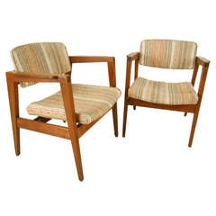 Mid-Century Modern Pair of Walnut Frame Armchairs by Gunlocke