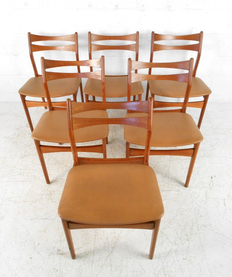 Set Of Mid Century Modern Eric Buck Style Teak Dining Chairs At 1stdibs