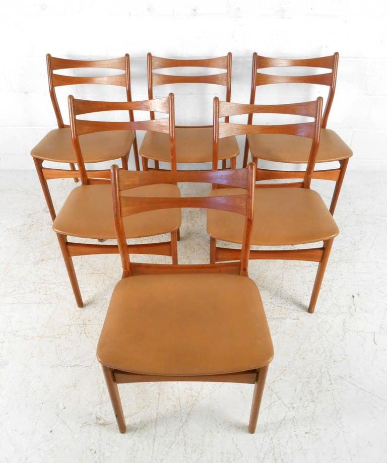 Set Of Mid Century Modern Eric Buck Style Teak Dining Chairs At 1stdibs