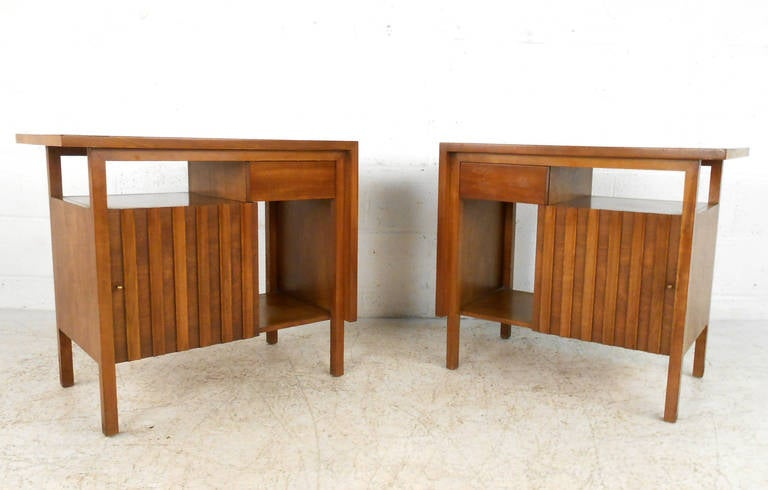 Mid-Century Modern John Widdicomb Bedroom Suite with Dressers and Nightstands