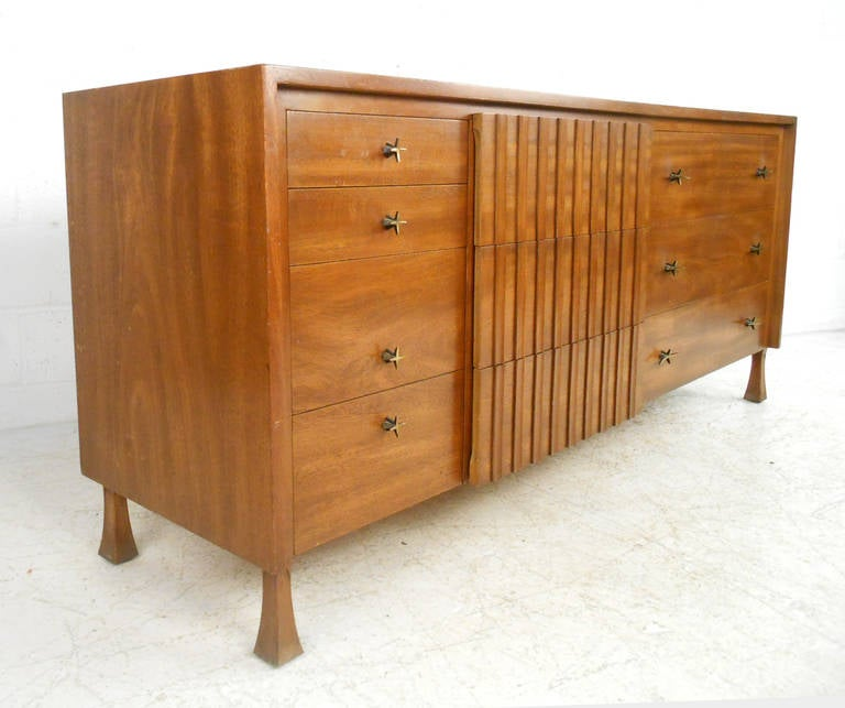 John Widdicomb Bedroom Suite with Dressers and Nightstands 1
