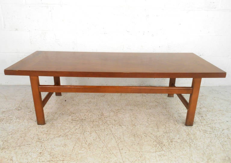 Mid Century Modern American Walnut Coffee Table By Lane Furniture For Sale At 1stdibs