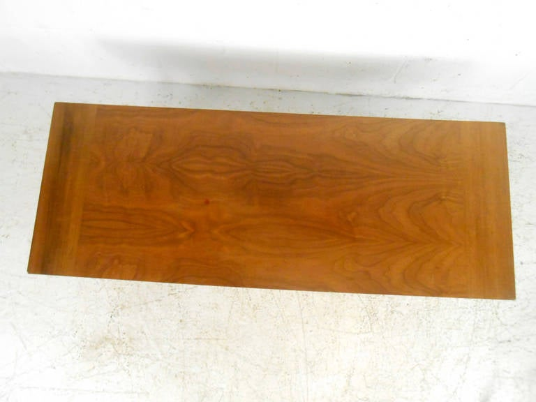 Mid-20th Century Vintage Walnut Coffee Table by Lane Furniture For Sale