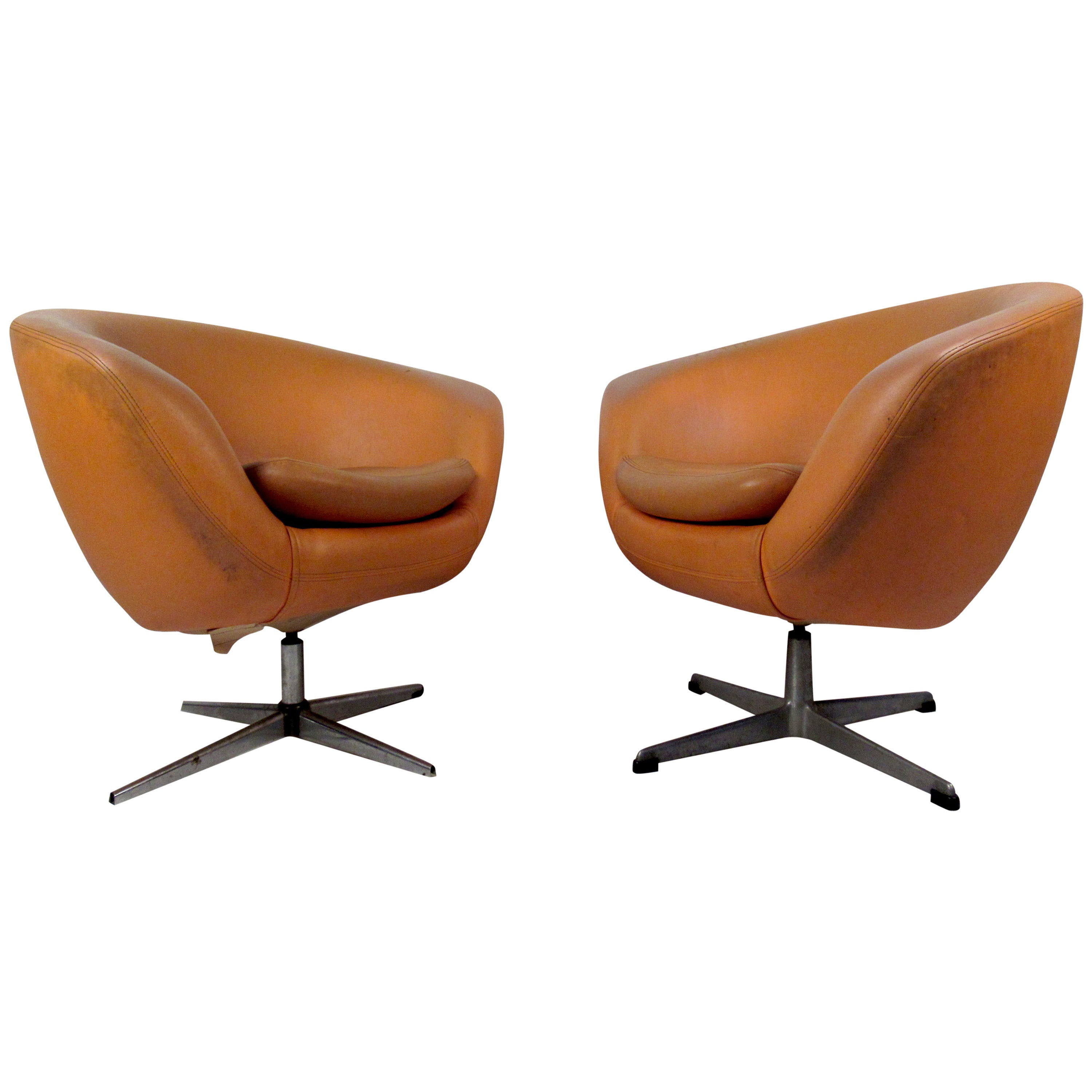 Pair of Mid-Century Modern Overman Orange Lounge Chairs