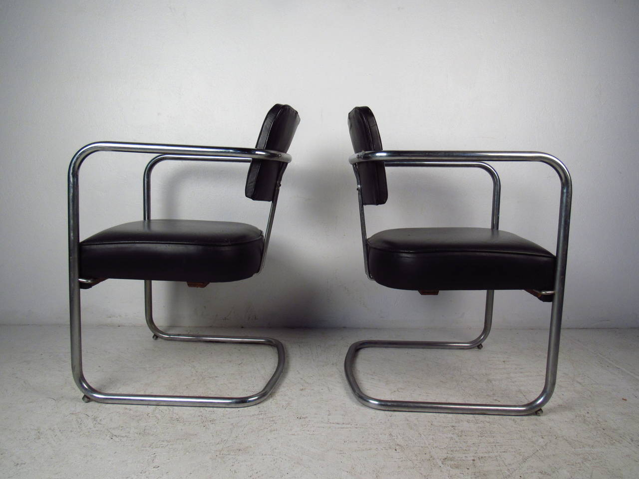 20th Century Set of Four Italian Black Leather and Chrome Chairs For Sale