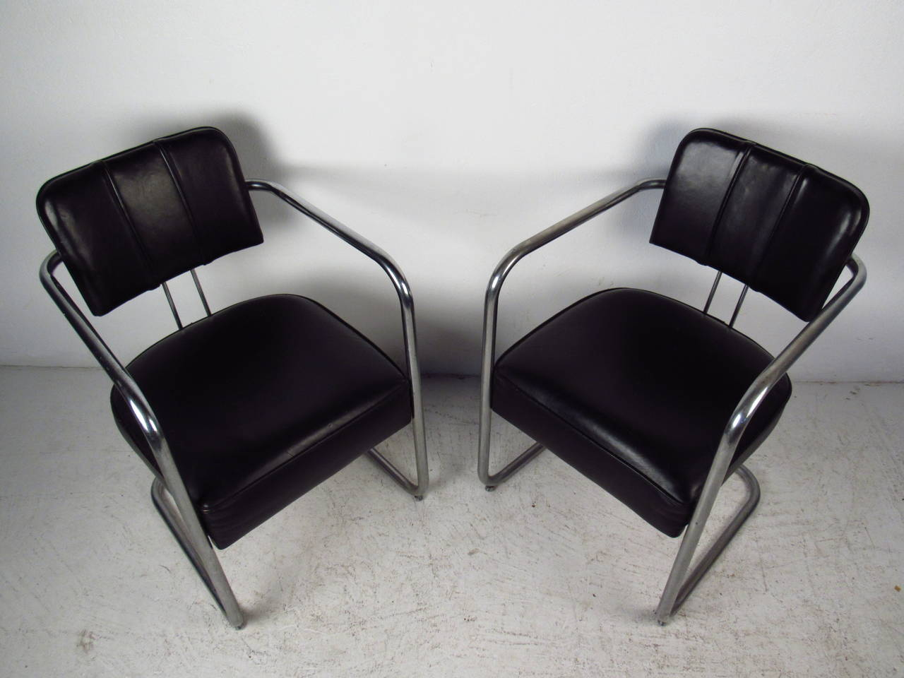 Set of Four Italian Black Leather and Chrome Chairs For Sale 3