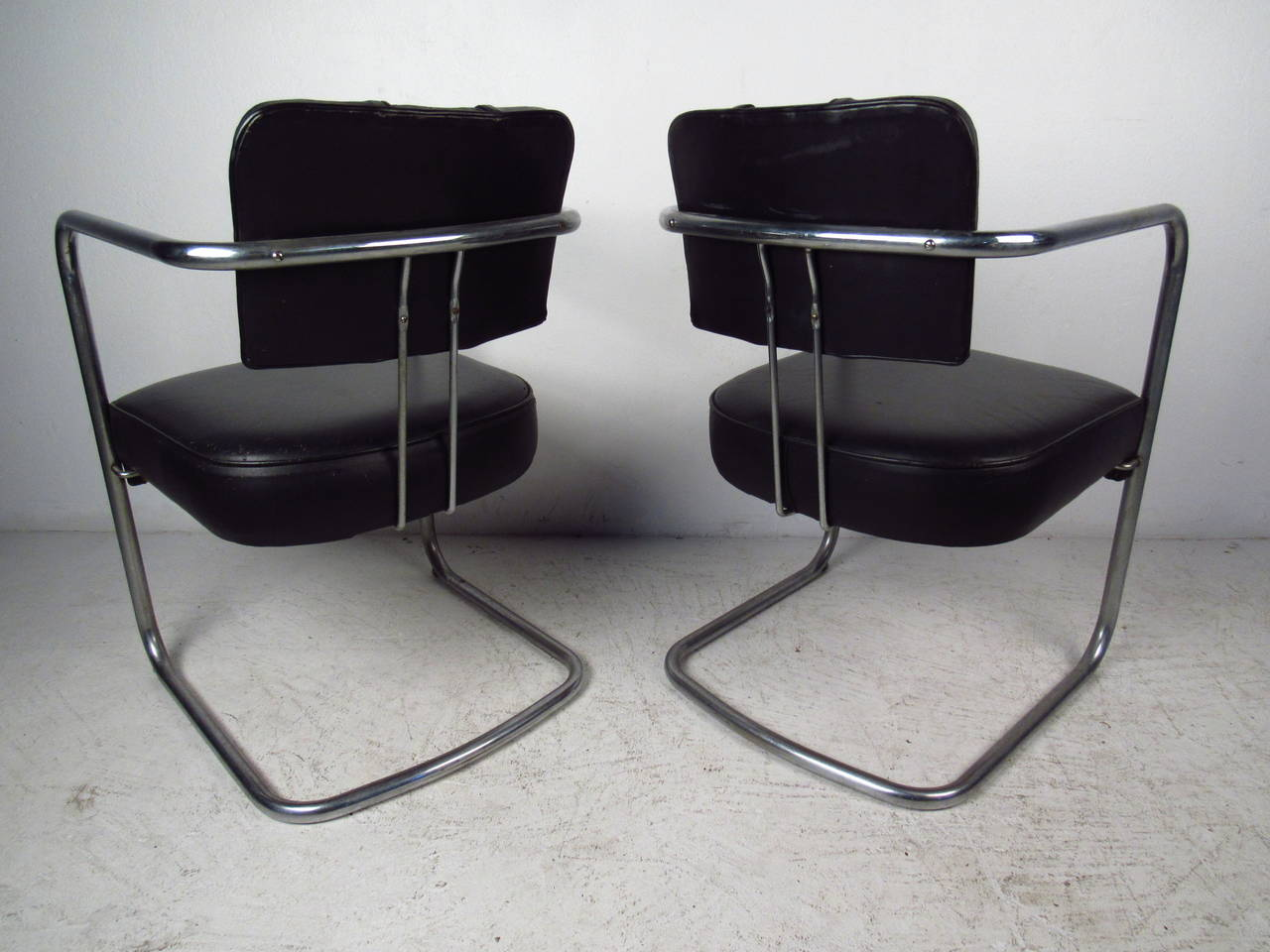 Set of Four Italian Black Leather and Chrome Chairs For Sale 1
