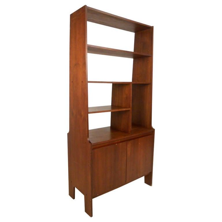 Mid century modern american walnut wall unit at 1stdibs - Modern bookshelf wall unit ...