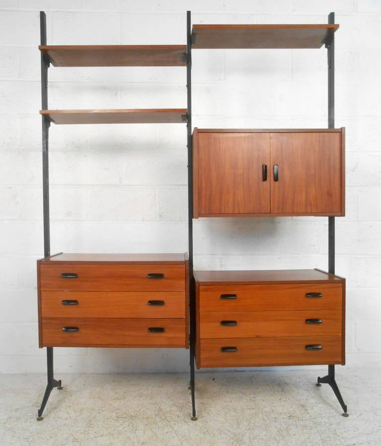 mid century modern italian teak freestanding wall unit for. Black Bedroom Furniture Sets. Home Design Ideas