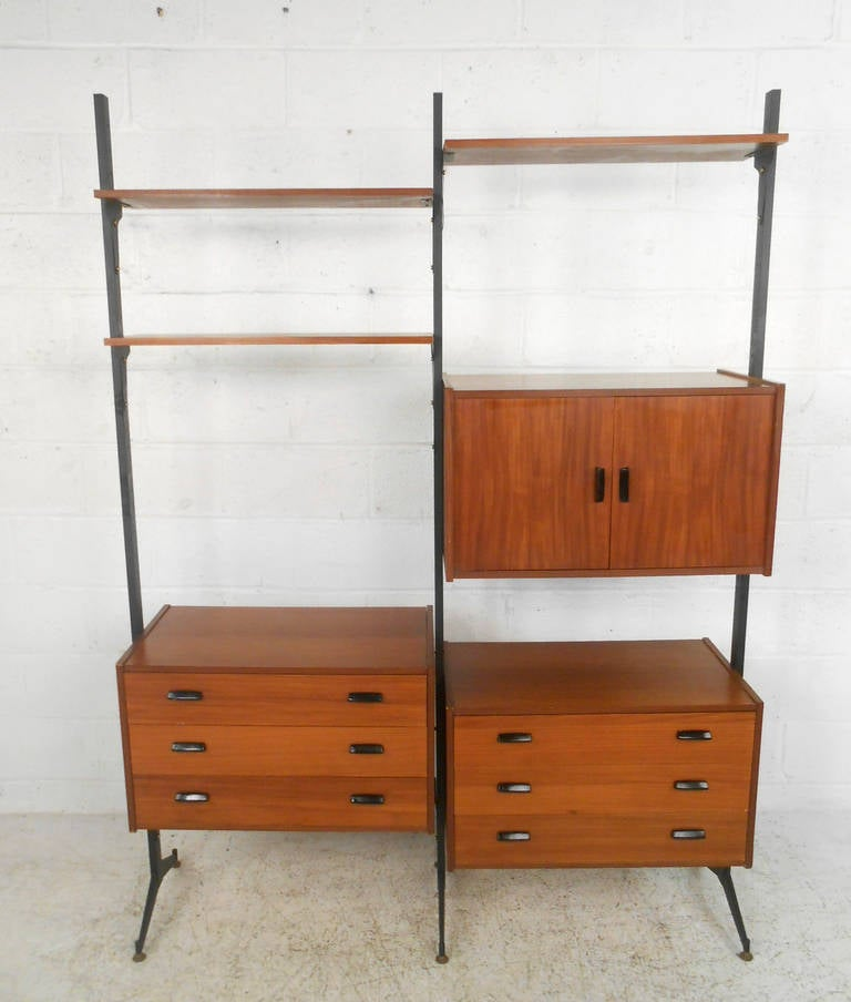 mid century modern italian teak freestanding wall unit at. Black Bedroom Furniture Sets. Home Design Ideas