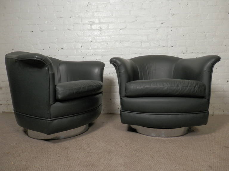 Mid-Century Modern Thayer Coggin Midcentury Barrel-Back Chairs in the Style of Milo Baughman For Sale