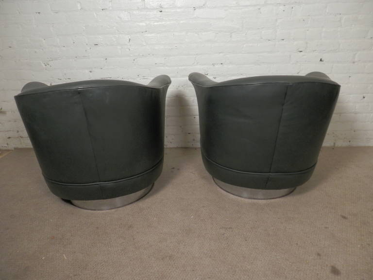 American Thayer Coggin Midcentury Barrel-Back Chairs in the Style of Milo Baughman For Sale