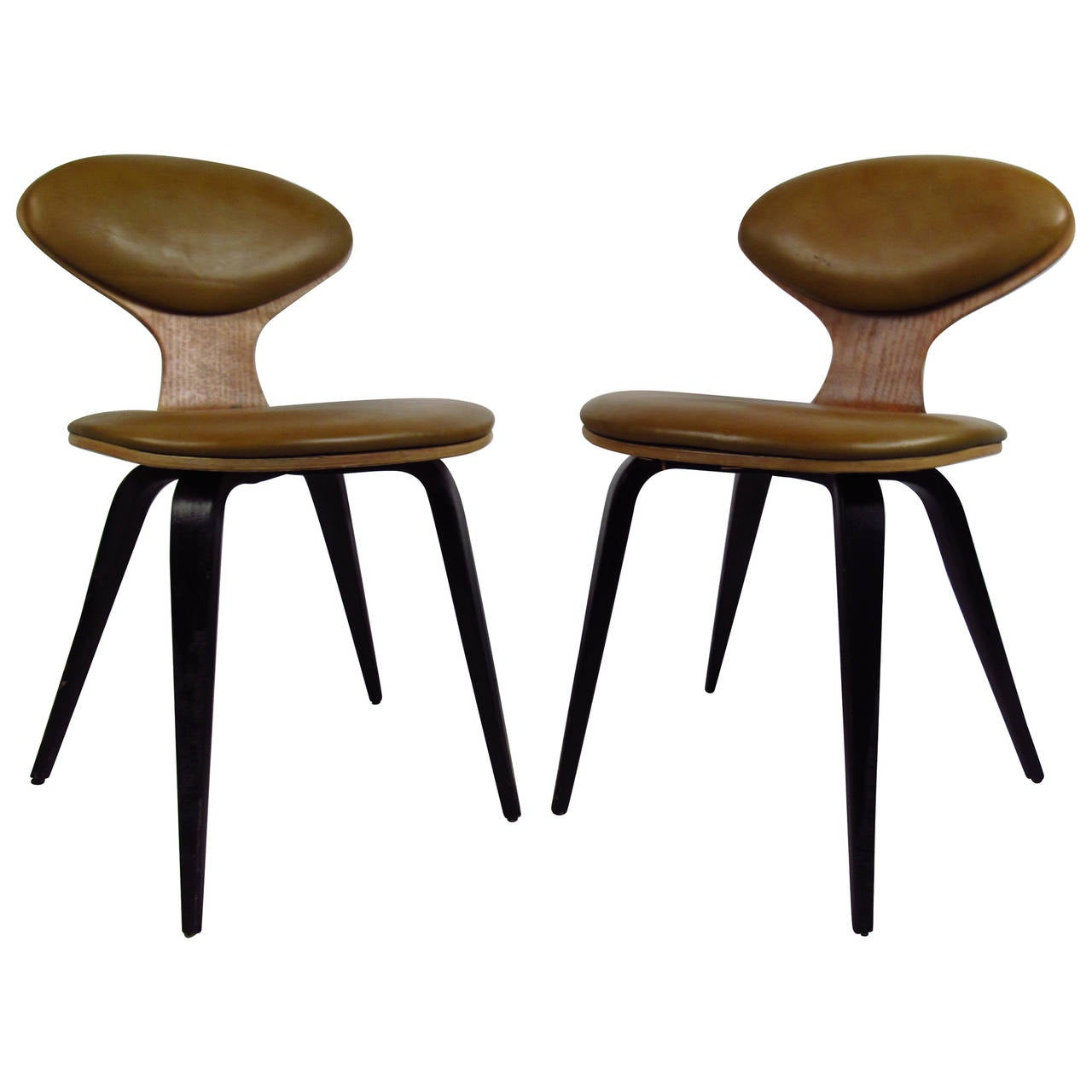 Pair of Mid-Century Modern Bentwood Chairs in the Style of Norman Cherner For Sale