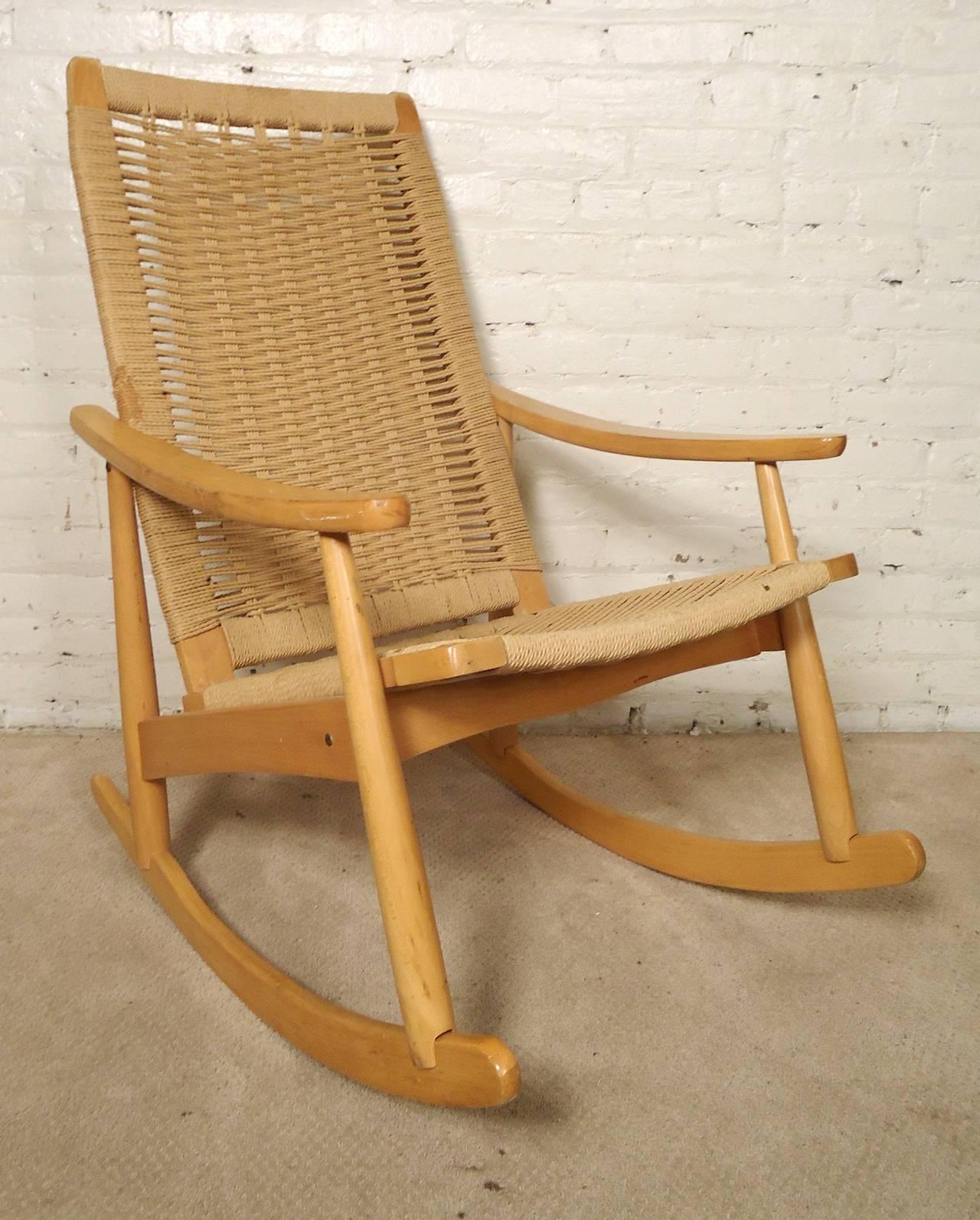 hans wegner style rope rocking chair at 1stdibs. Black Bedroom Furniture Sets. Home Design Ideas