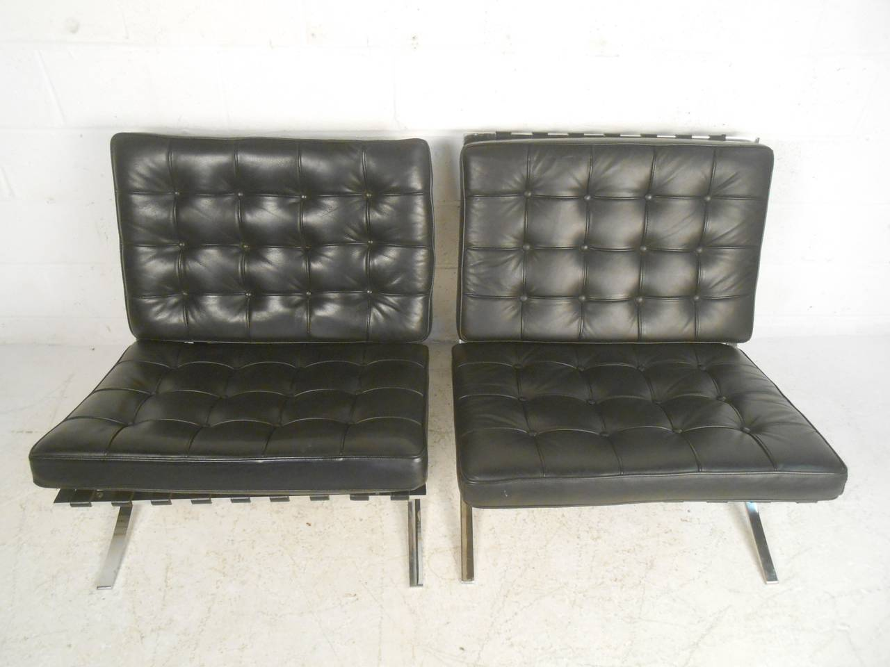 knoll style chrome frame barcelona chairs for sale at 1stdibs. Black Bedroom Furniture Sets. Home Design Ideas