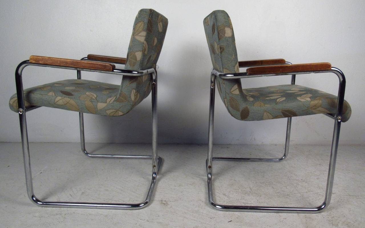 American Modern Set of Tubular Steel Dining Chairs For Sale